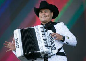 Los Tucanes performing La Chona.